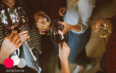 Come attirare la generazione più giovane di consumatori di vino: 5 strategie per il settore